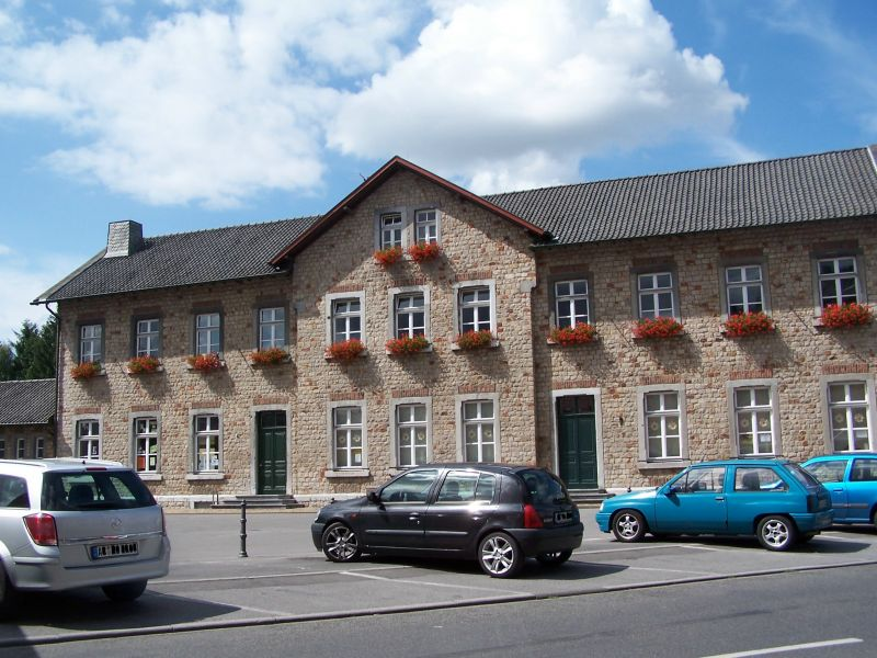 Bildergebnis für fotos vom bürgerhaus in büsbach